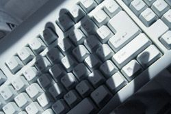 cyber_kriminalitaet_Zurich-Gruppe-Deutschland_2014_07